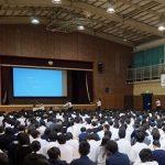 大阪府枚方市杉中学校にて講演